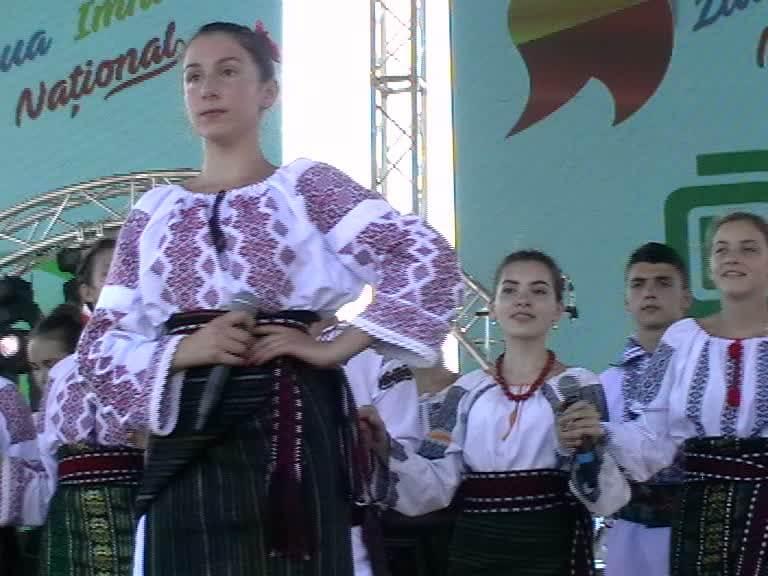 la Ziua Imnului Rm Valcea Emilia Nicorici-30-07-17