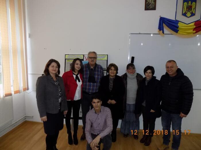 Membrii cenaclului Liceului din Horezu, 12 12 18