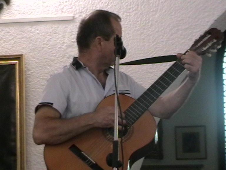 Ghitara pe post de țambal 09 08 19