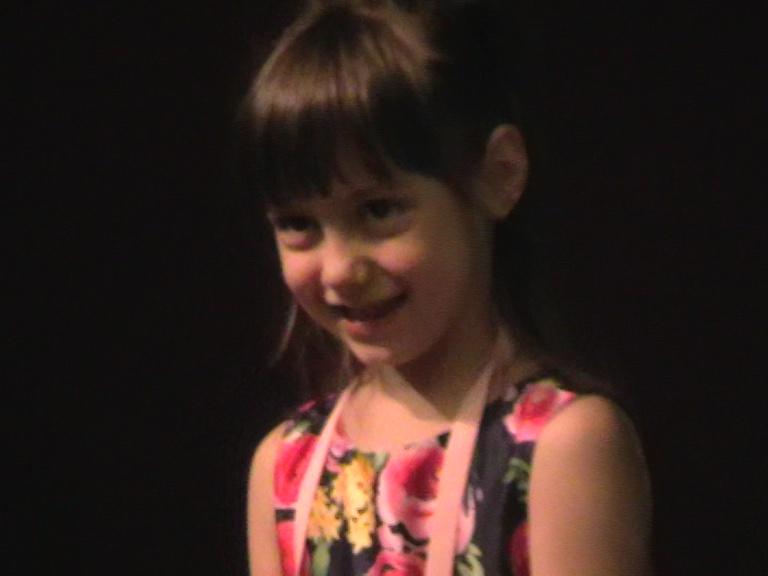 Nepoata lui Eugen Petrescu viitoarea stea a Râmnicului 06 08 19