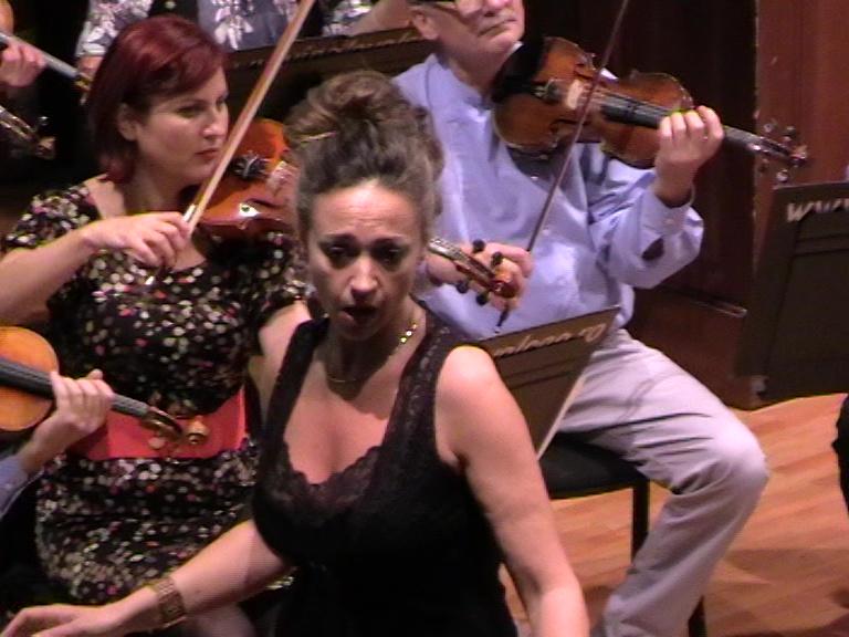 Monica Luezas Filarmonica Rm Vâlcea-la repetiție 03 11 19-foto p. cickirdan