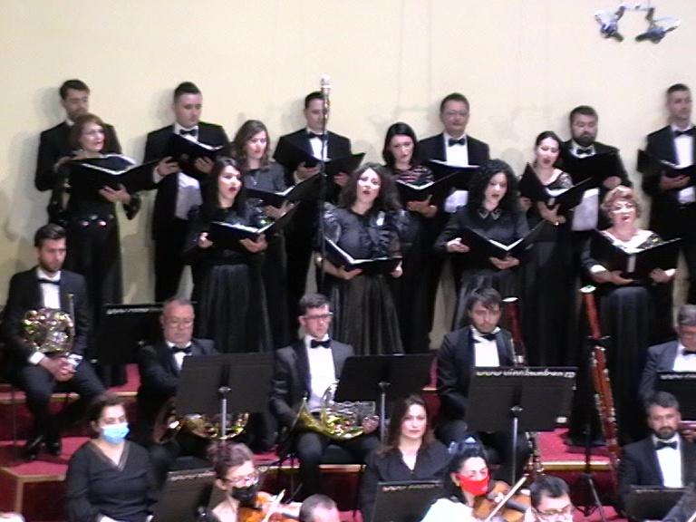 Corala sopran - tenor Eufonia Recviem Faure, Rm Valcea , 25 04 21 Foto S-P C