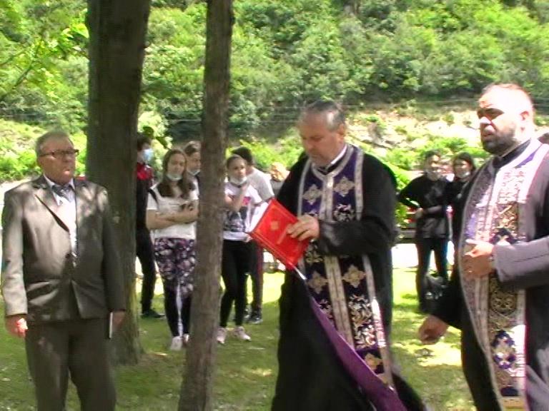 Eminescu, slujba de pomenire, Parohia Călimănești, 15 06 21, foto S. P.